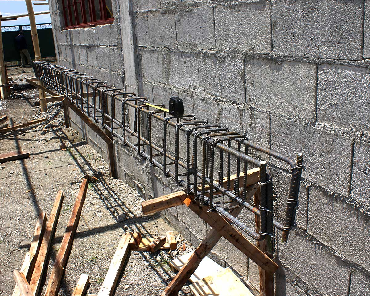 Detail of beam rebar cage for carport