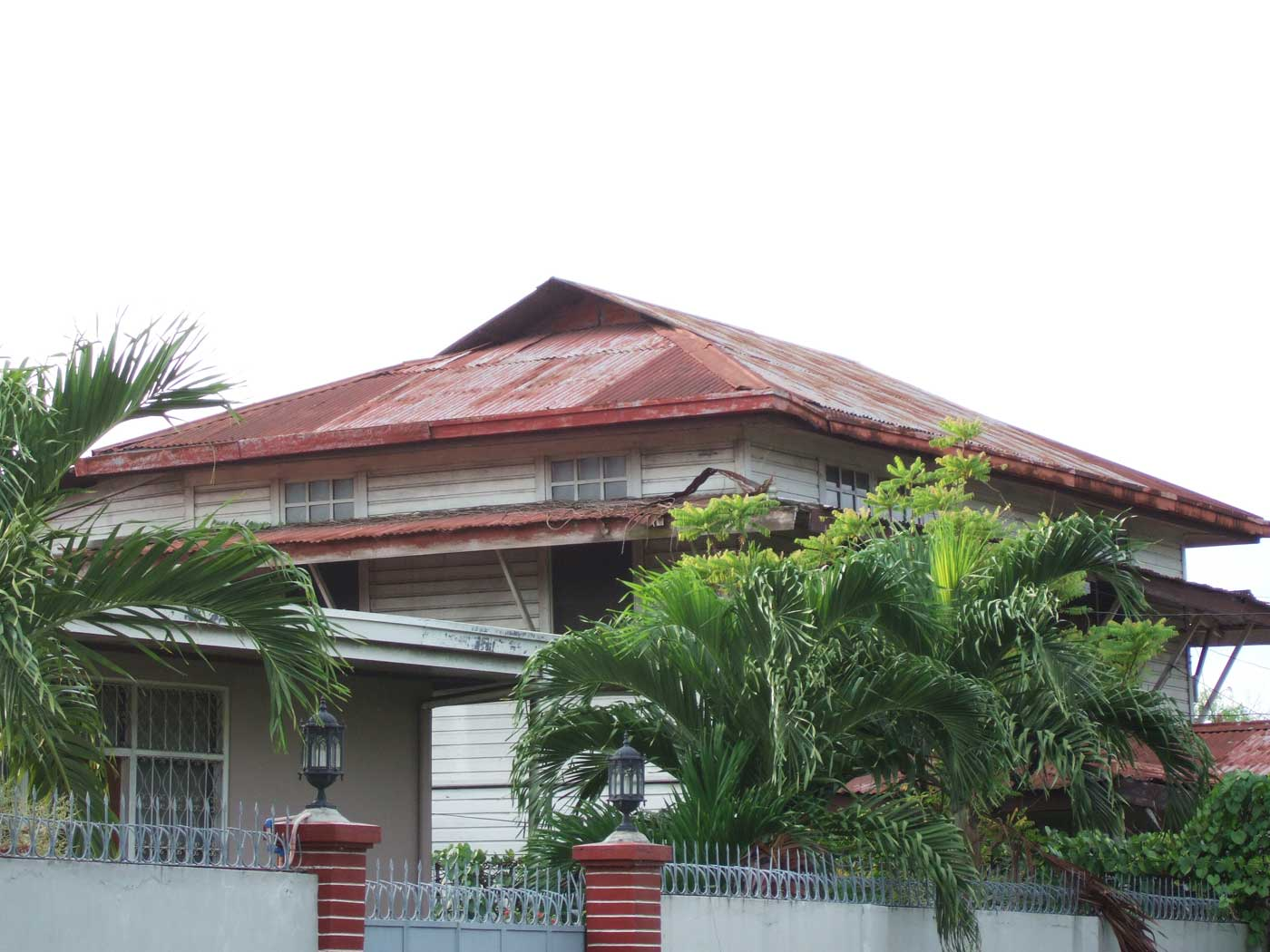 Roof structure on old house, Molo, Iloilo City